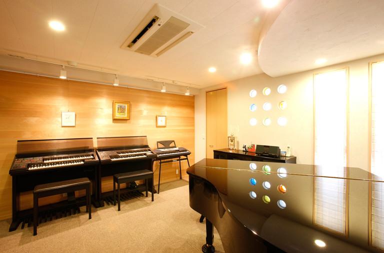 ②ピアノ室